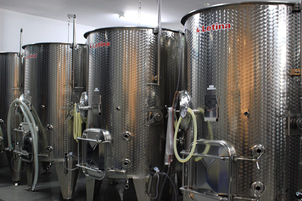 醸造用のステンレスタンク